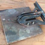 Oud gereedschap om het hout te bewerken