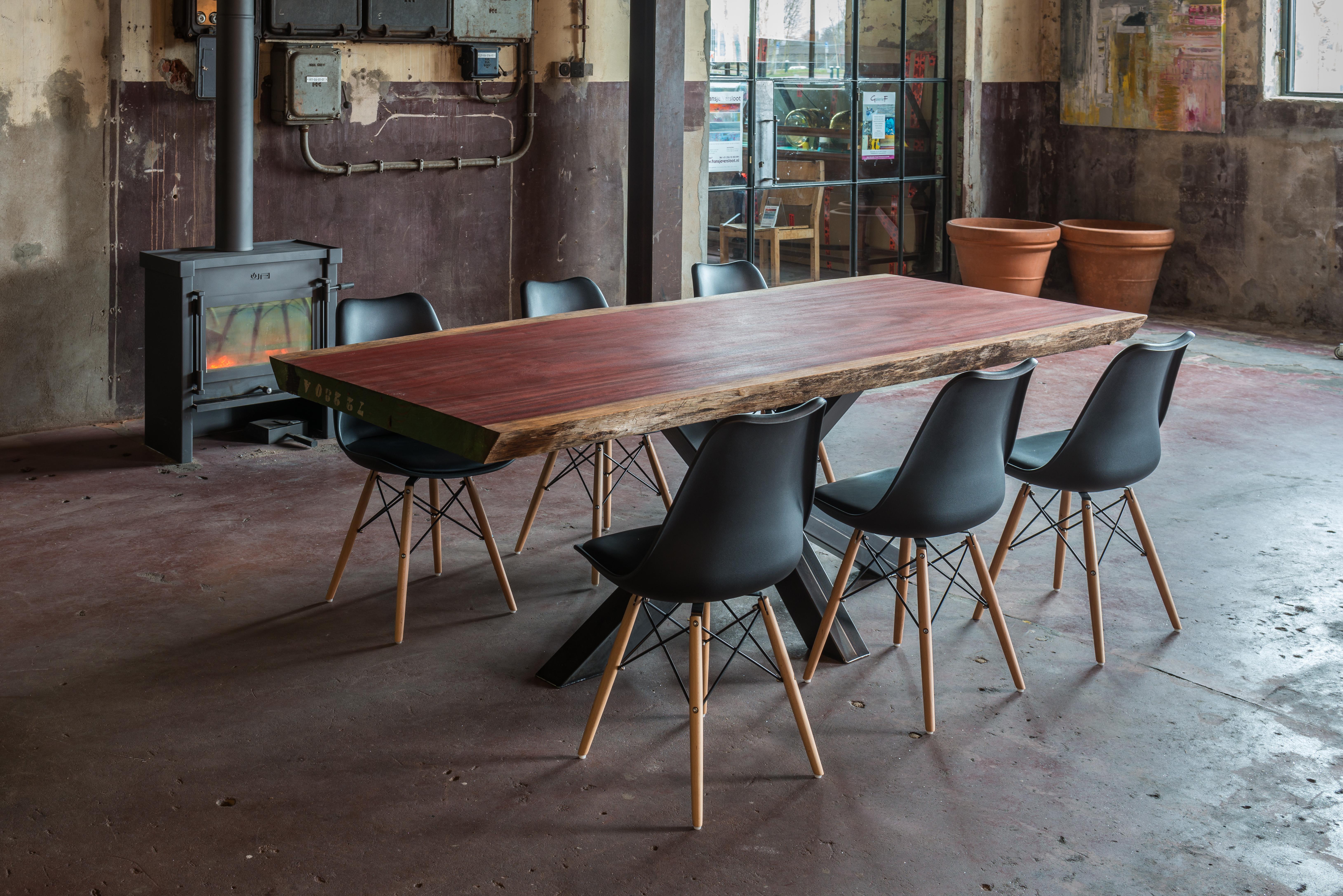 Houten Boomstam Tafel : Boomstamtafel uit stuk hout eppinga